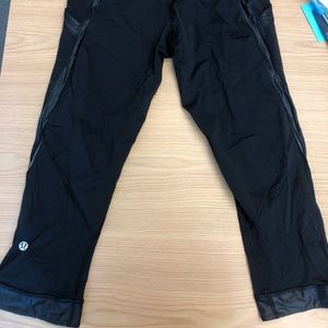 Cropped lulu leggings size 6